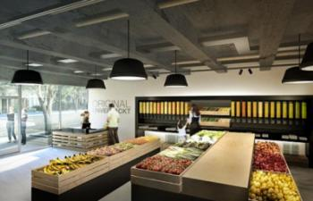 Zero-Waste Grocery Store has No Packaging or Plastic