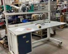 lab bench, extruded aluminum, bench on casters